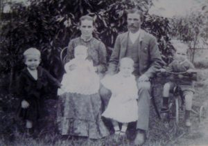 Jane and Henry Smith with children L to R Tom, Mabel, John and Alf, 1892