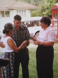Bev and Des McCulloch with Barbara Rammadge-Ross, 1999