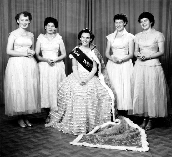 The Golden Pineapple Queen, Miss Yandina, Pat Rafter