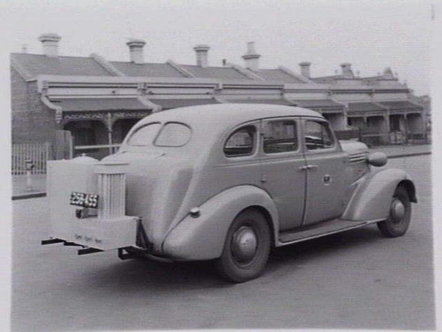 Car fitted with gas producer